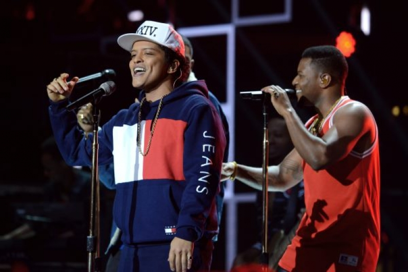 Ο Bruno Mars με Tommy Jeans στα  MTV Europe Music Awards