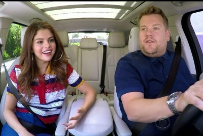 "Η Selena Gomez με Tommy Hilfiger collection στο ""Carpool Karaoke"""